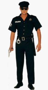 homme en uniforme
